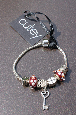 Cutey Jewellery Charm Bracelet Red and Silver